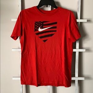 Red Nike baseball T-shirt boys size XL